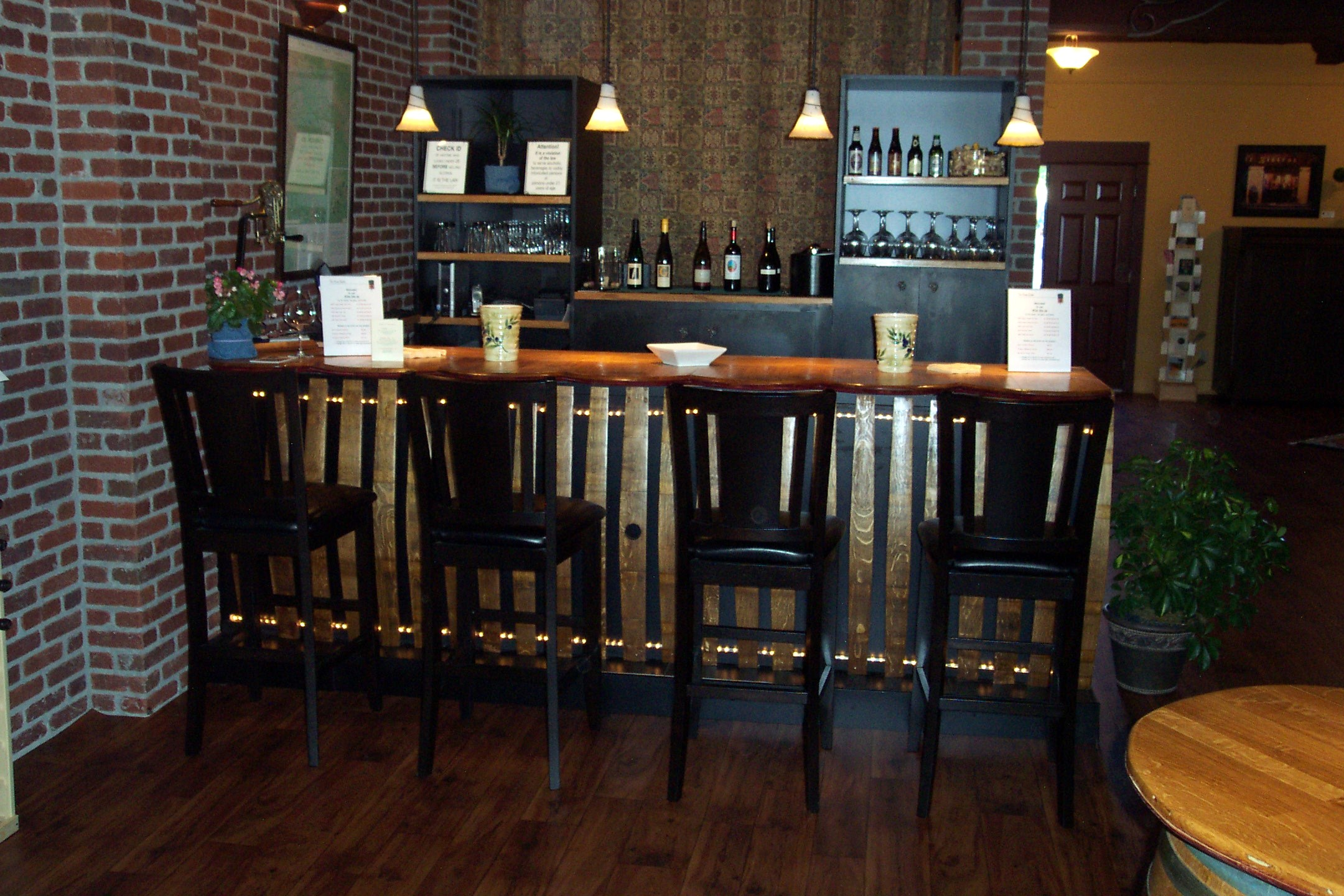 Custom bars wine wood recycled - Picture of bars ...